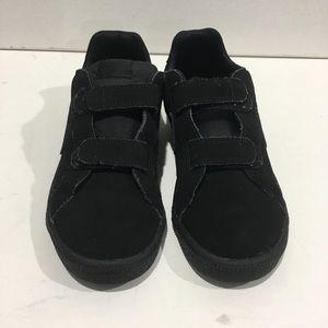 🎆Boys very gently worn black nike sneakers size 3